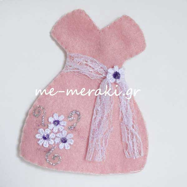 f34c8a341521 Μπομπονιέρα Φόρεμα Τσόχα Μαργαρίτες | Μπομπονιέρες | me-meraki.gr